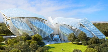 Foundation Louis Vuitton or the challenge of a multi-trade hypervision solution